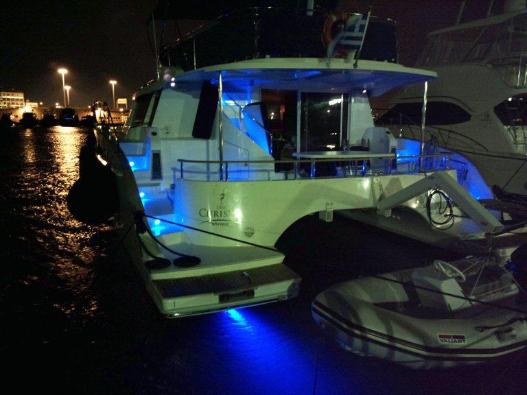 aqua_pro_marine_professionals_σκάφη_αναψυχής_μηχανές_συντήρηση_service_underwater_lights_φωτισμός
