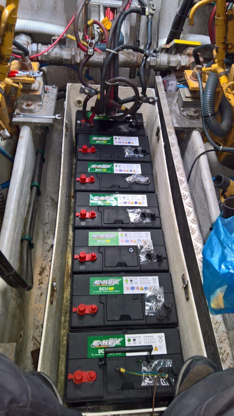 aqua_pro_marine_professionals_σκάφη_αναψυχής_μηχανές_συντήρηση_service_τοποθέτηση και έλεγχος μπαταριών